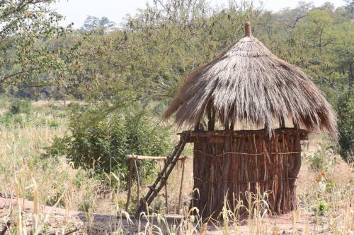 Типа кладовки для хранения чего-либо в деревне