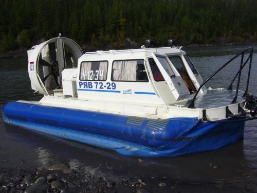 """Вот он, - чудо инженерии, малогабаритное судно на воздушной подушке """"Хивус"""""""